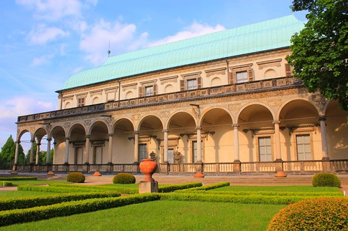 palacio-belvedere-reina-ana