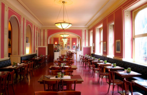 cafe-louvre-interier